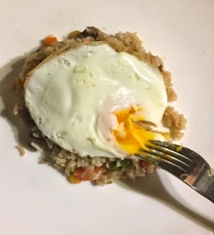 egg arroz com carne