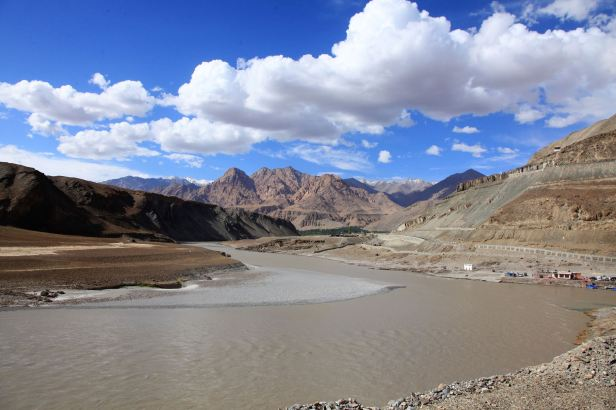 Confluence Indus Zanskar Rivers India